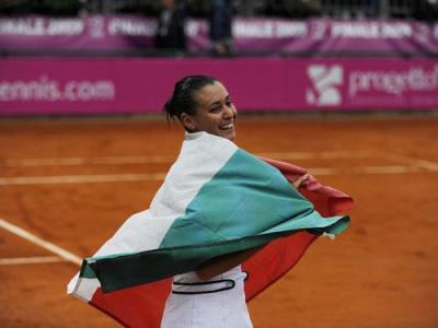 flavia pennetta italian flag